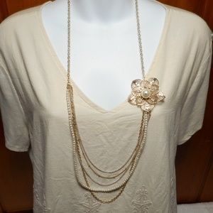 Jewelry - Vtg Multi Strands Gold Pearl Large Flower Necklace